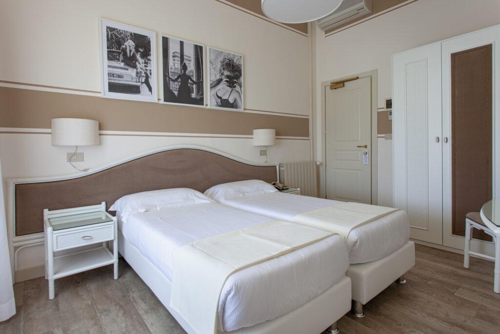 camera-comunicante-con-balcone-hotelolimpia-6