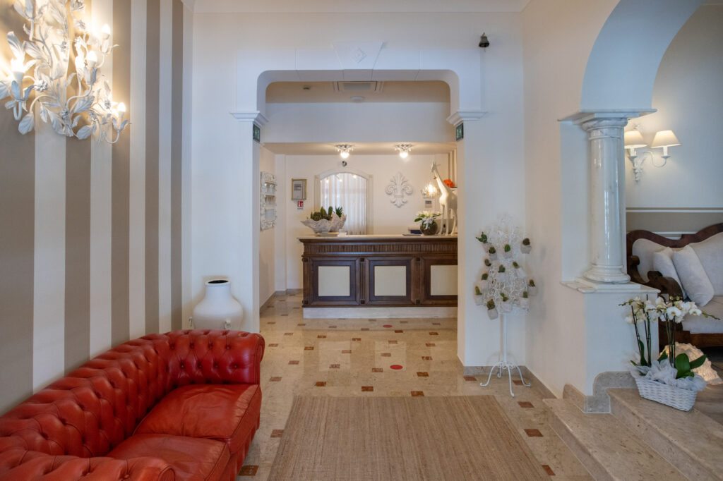 hall-esterno-hotelolimpia-forte-dei-marmi-3